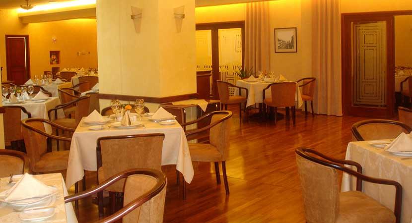 Restaurants - Equipment, Supplies & Furniture