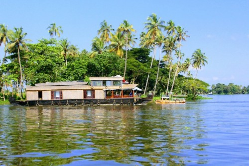 Best Alleppey Houseboat Tour Packages