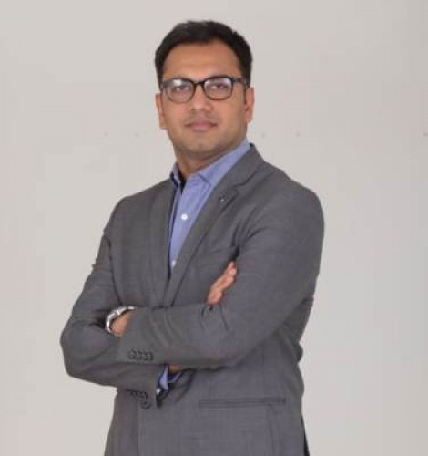 Dr Niraj Yadav